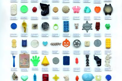 60 Marine/beach plastic objects. 2011
