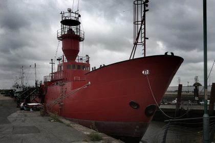 Light Vessel 21. 2011